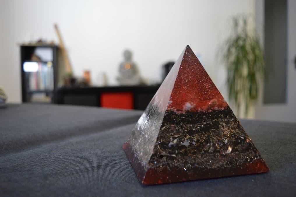 Orgonite pyramide 1