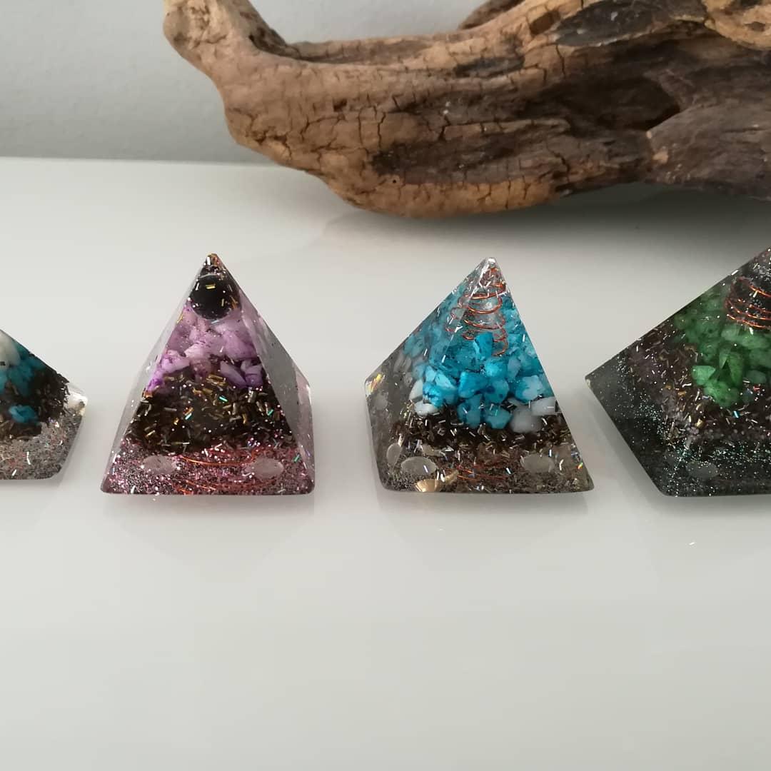 Orgonite pyramide 10