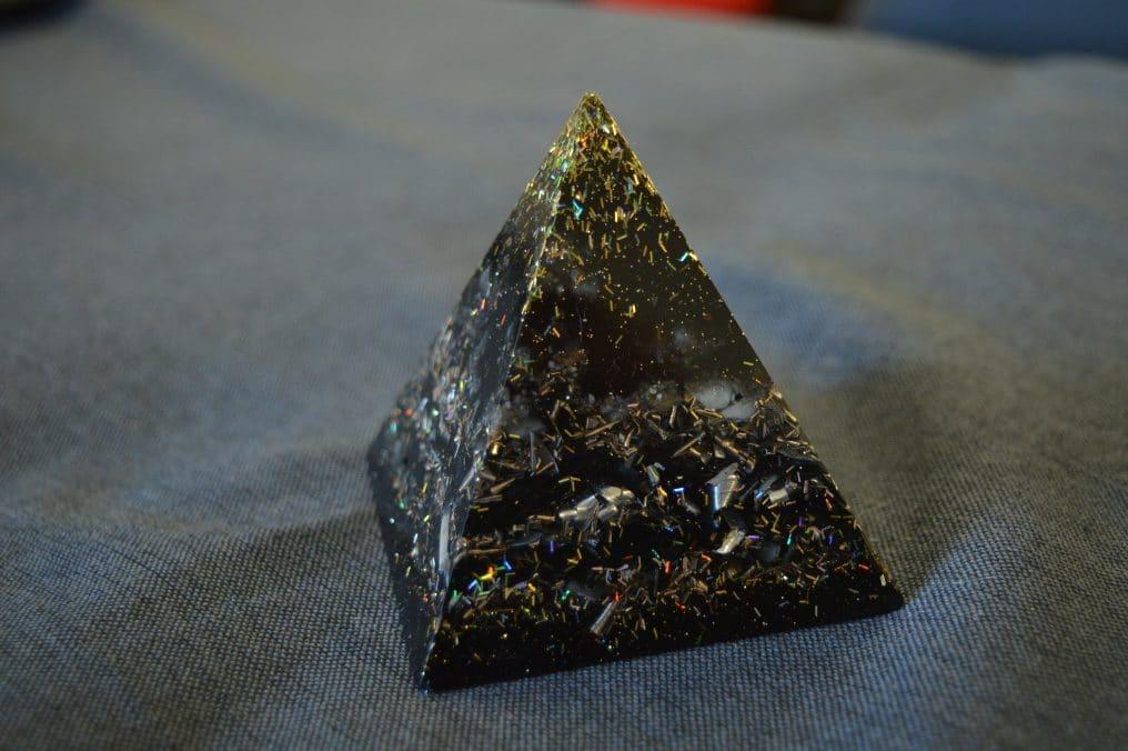 Orgonite pyramide 4